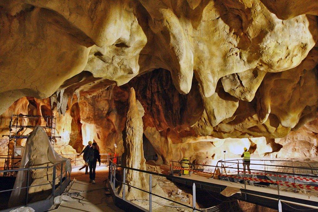 caverne pont d'arc 2